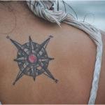 tatuaje viajes rosa de los vientos