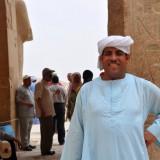 cuidador luxor egipto