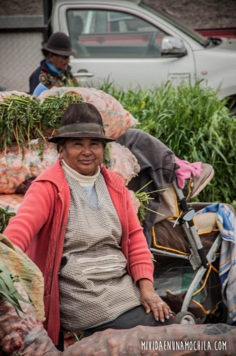 mujer mercado riobamba