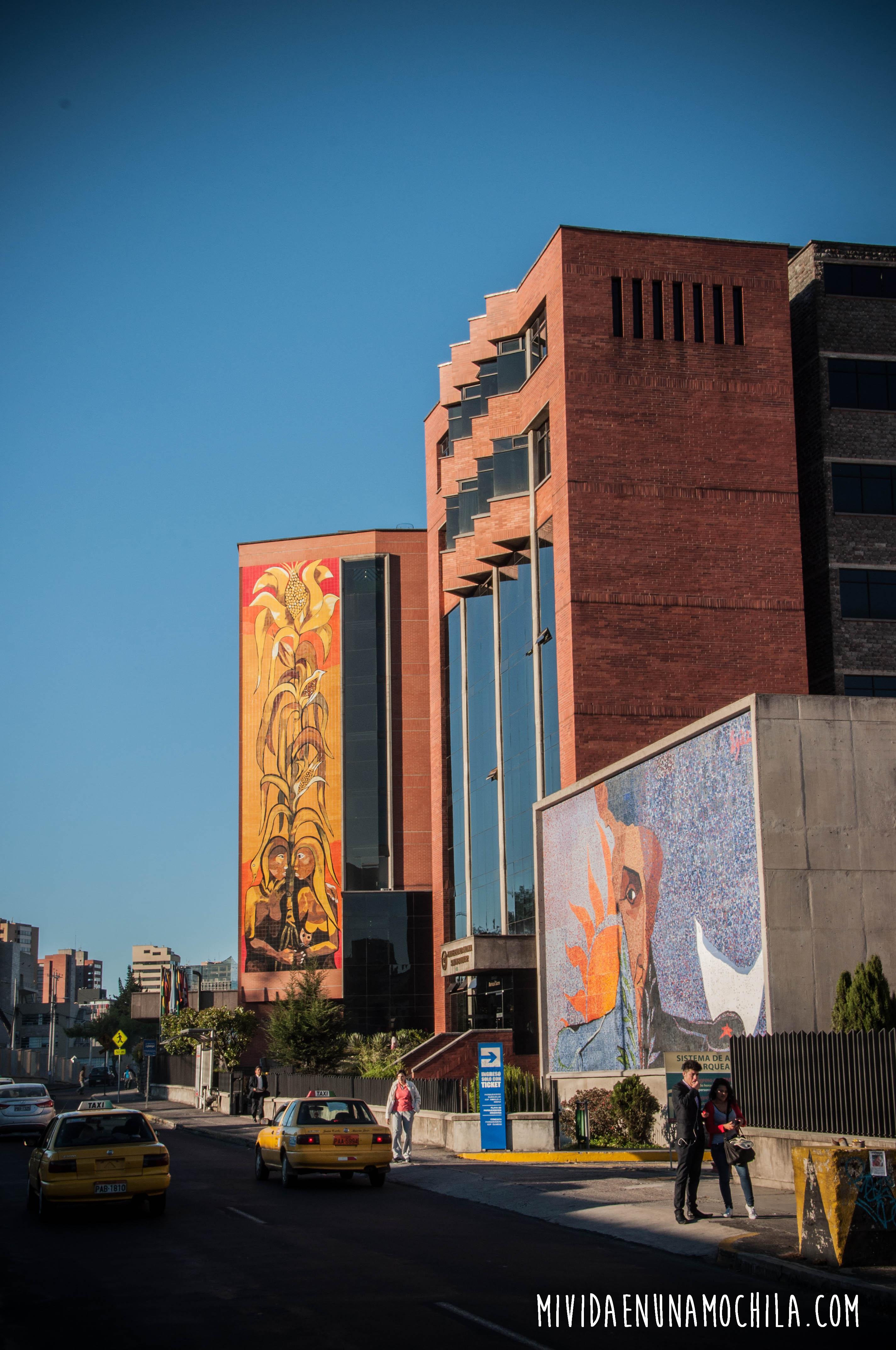 mural quito