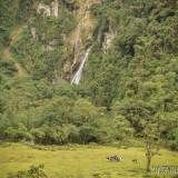 cascada en la ruta ecuador