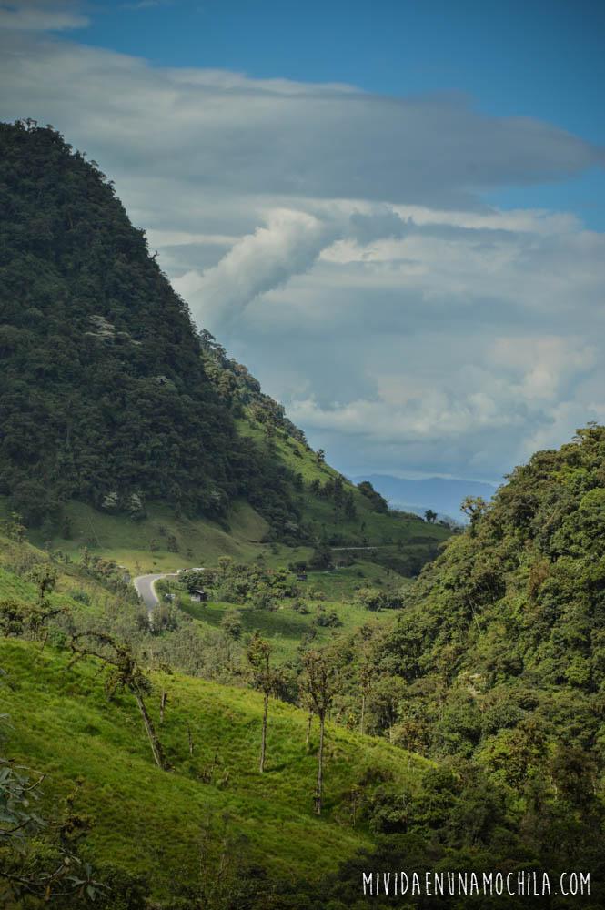 camino a baeza ecuador