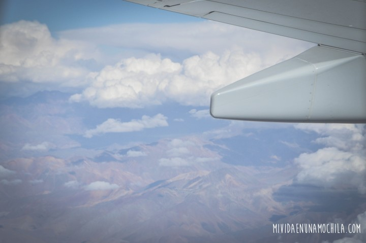 avion vuelo sobre cordillera de los andes