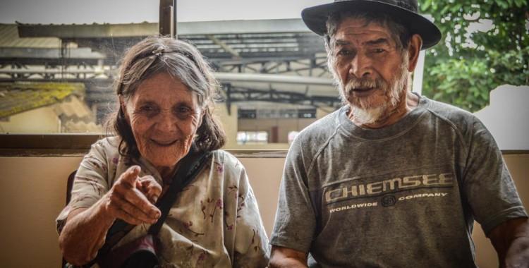 parejas abuelos ecuador